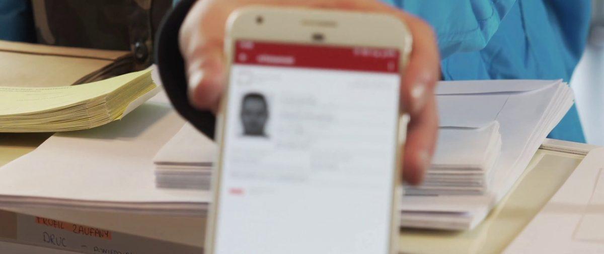 mObywatel. Czy wiesz o co chodzi? Tożsamość potwierdzisz również smartfonem.