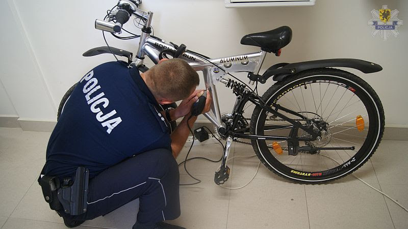Oznakuj swój rower. Apeluję o to, bo przeczytałam o kradzieży roweru spod szkoły, z którą współpracuję.