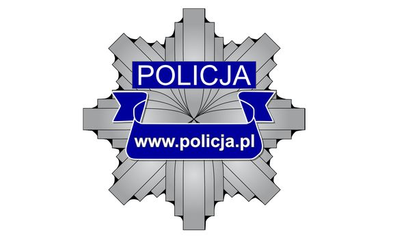 Policjanci zaczynają intensywniej reagować na brak stosowania osłon ust i nosa w zamkniętej przestrzeni publicznej.