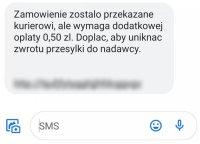 Gorzowscy policjanci ostrzegają przed sms-ami z informacją o konieczności dopłaty do paczki.